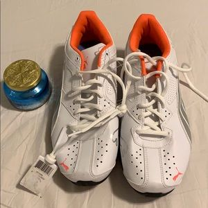NWT Puma Laceup Sneakers